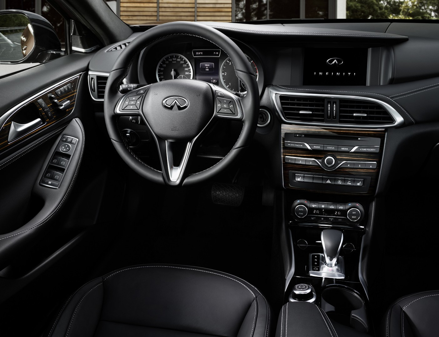 Infiniti Q30 SECOND IMAGE black 4K - 1 Sept 2015
