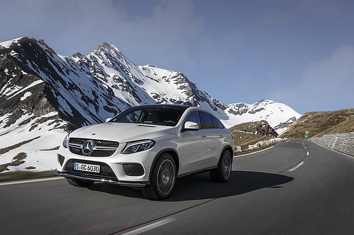 mercedes-gle-coupe-2015-350d-fascination-blanc-12