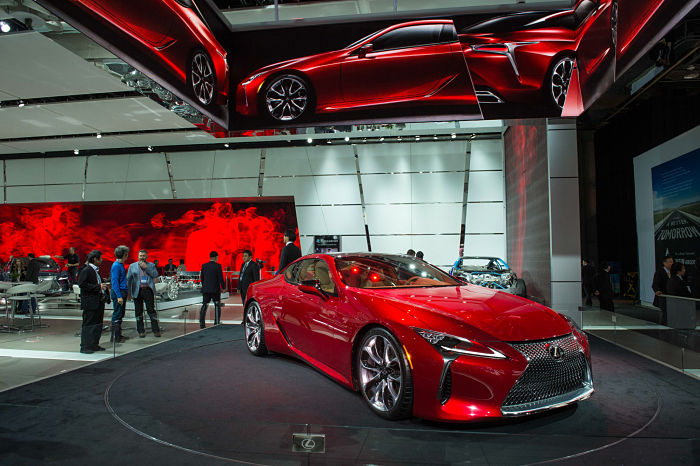 2016_NAIAS_Lexus_Exhibit_9FB27CAE7E13D04539FFA3073568A33F54F3941D_opt