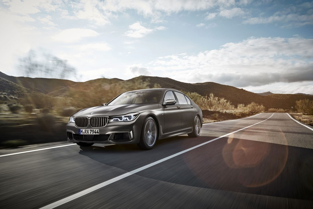 2016_BMW-M760Li-xDrive_06