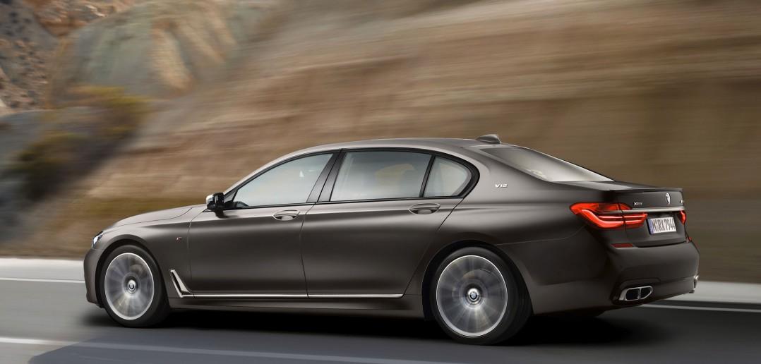 2016_BMW-M760Li-xDrive_07