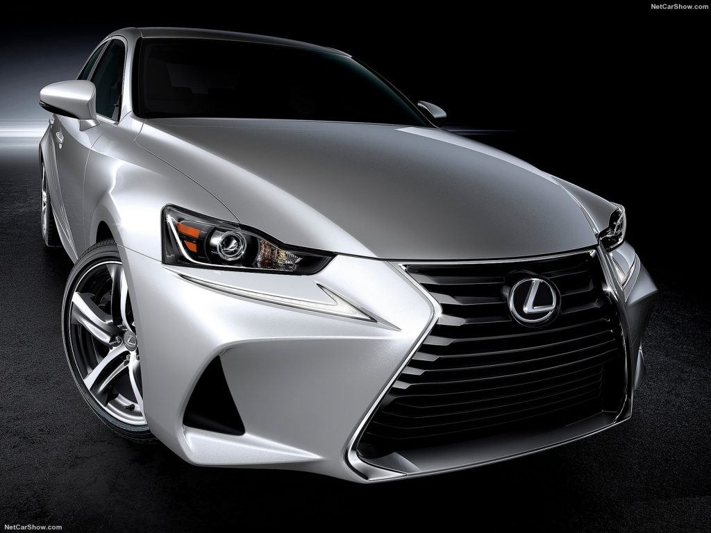 Lexus-IS-2017-1600-04