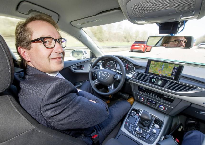Alexander Dobrindt dans l'Audi A7 Piloted Driving Concept