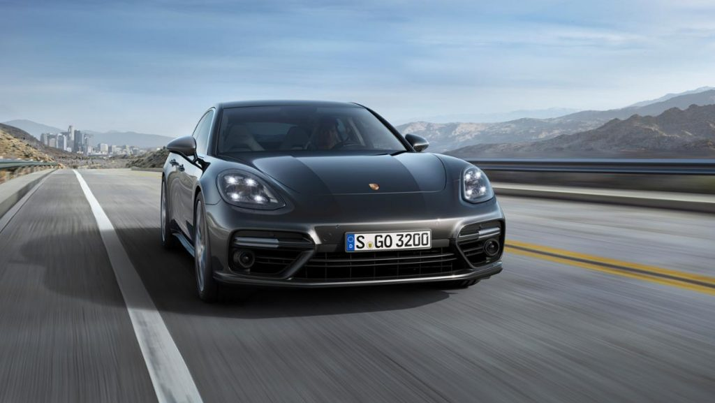 low_panamera_turbo_2016_porsche_ag