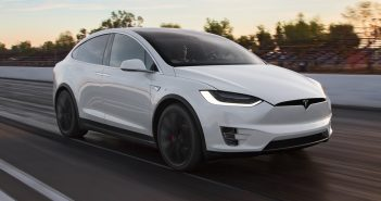 2016-Tesla-Model-X-P90D-front-three-quarter-in-motion