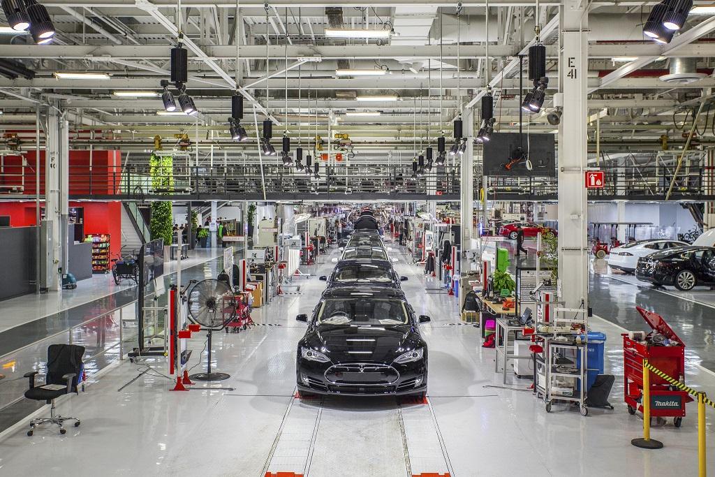 Tesla-fremont-assembly