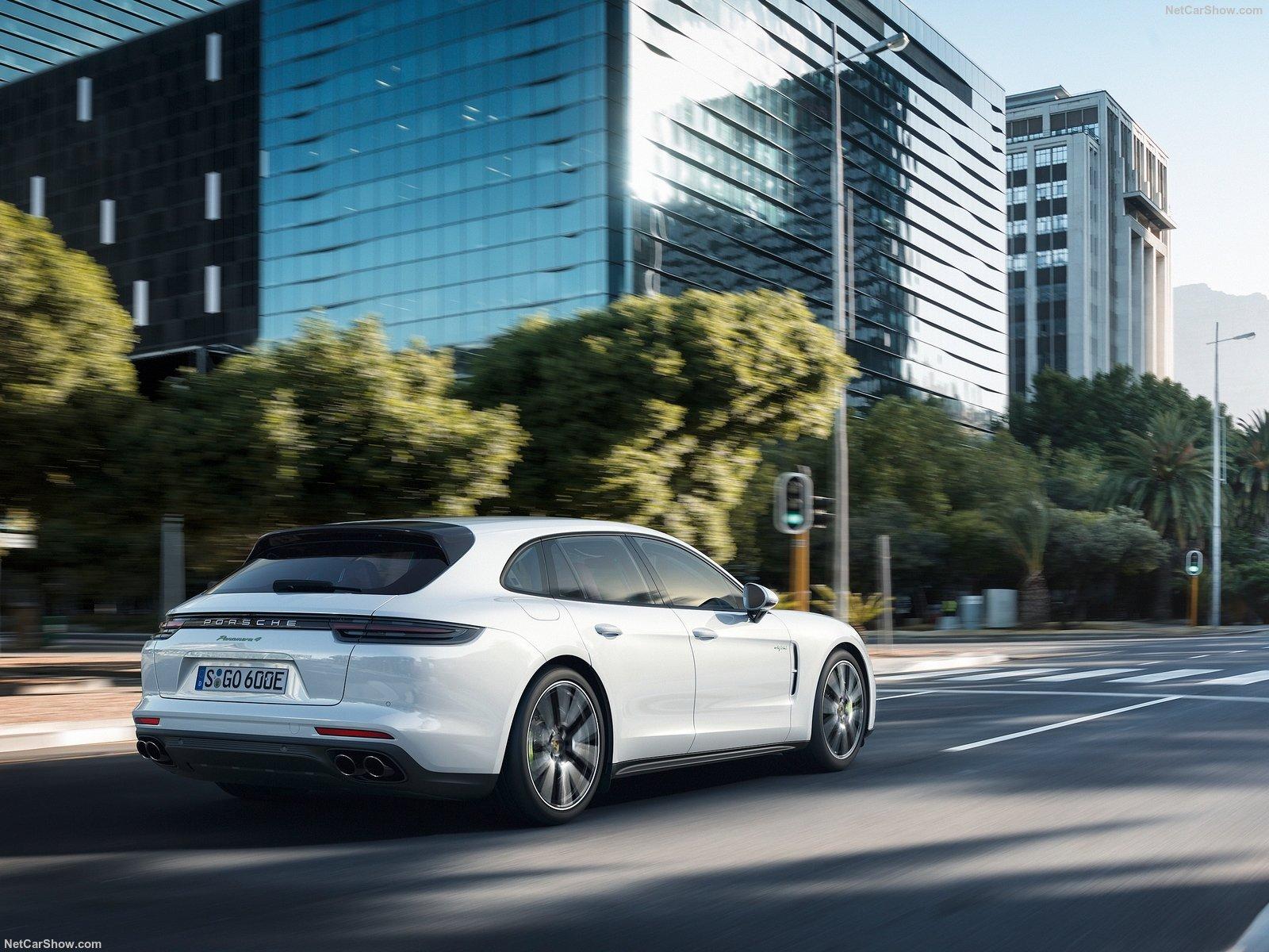 Porsche-Panamera_Sport_Turismo-2018-1600-11