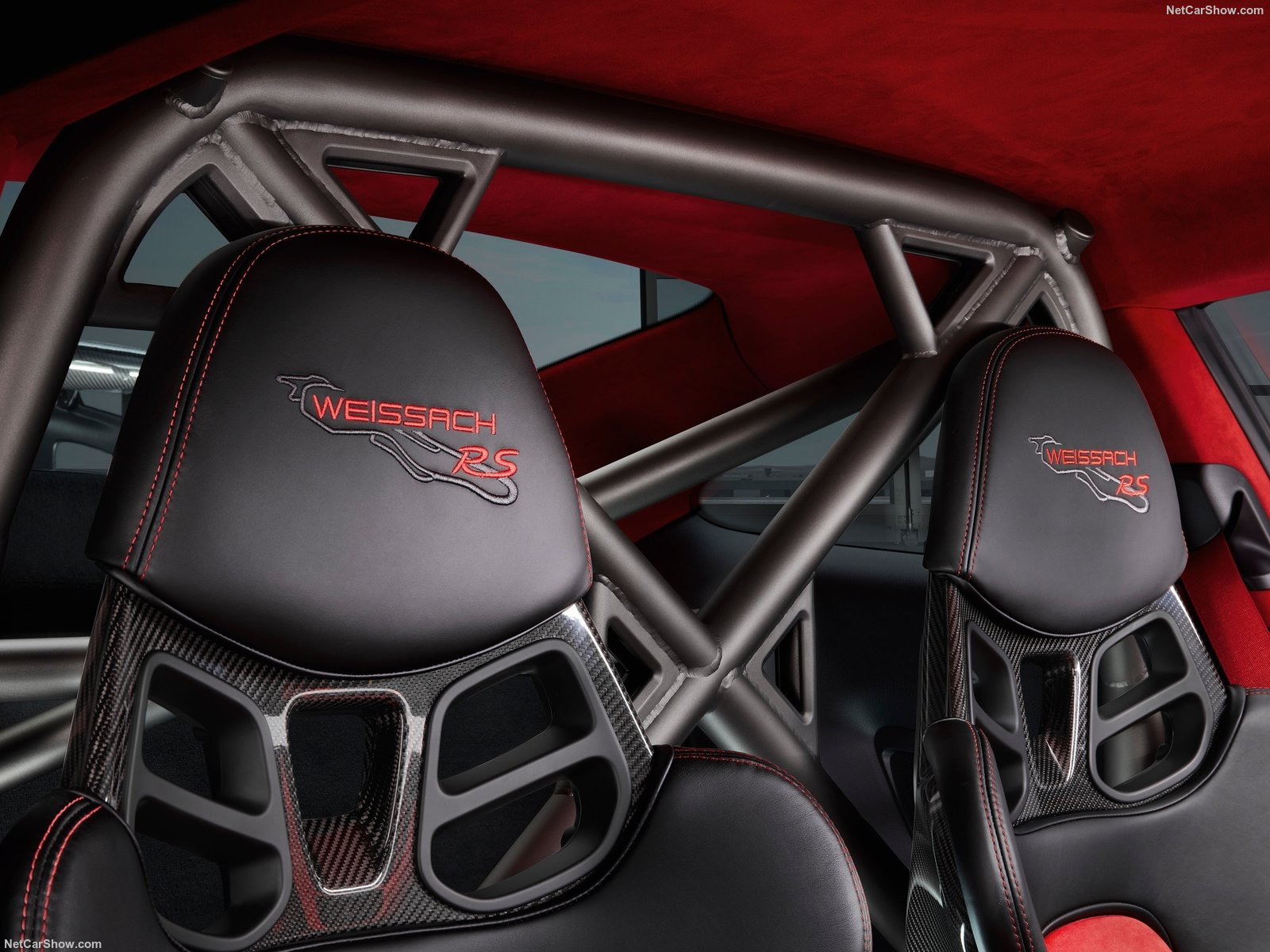 911 GT2 RS seats